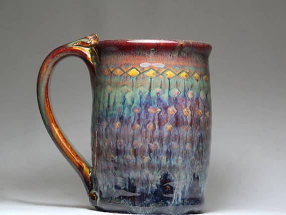 a handmade mug is a perfect gift for your fit or foodie friend: hot chocolate, coffee, her tea obsession? tastes better when supporting artists! check out this ethical gift guide